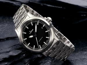 Sinn 556 Review: What Makes This Tool Watch Stand Out?