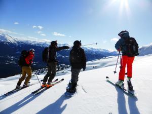 11 Best Ski Watches Perfect for Alpine Adventures