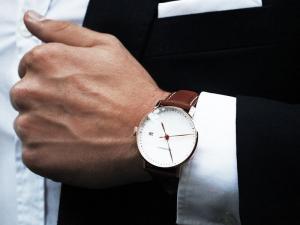 30 Best Minimalist Watches for Fashionable Men