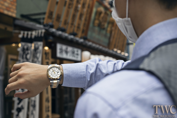 A Simple Guideline Of How To Wind A Rolex Watch Successfully